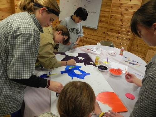 teens create commemorative art project