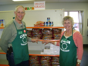 IVC Cincinnati Volunteers at CAIN Food Pantry